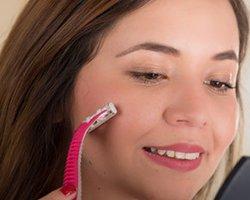 顔の産毛の処理|ムダ毛処理の「一番いい方法!」を見つけよう